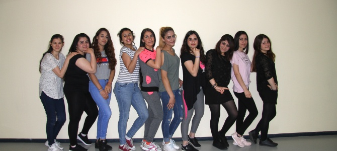 Tanzkurs für die Schülerinnen der Internationalen Förderklassen als AG im Schuljahr 2018/19