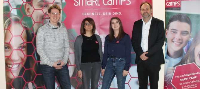 SCHÜLER SMART CAMP